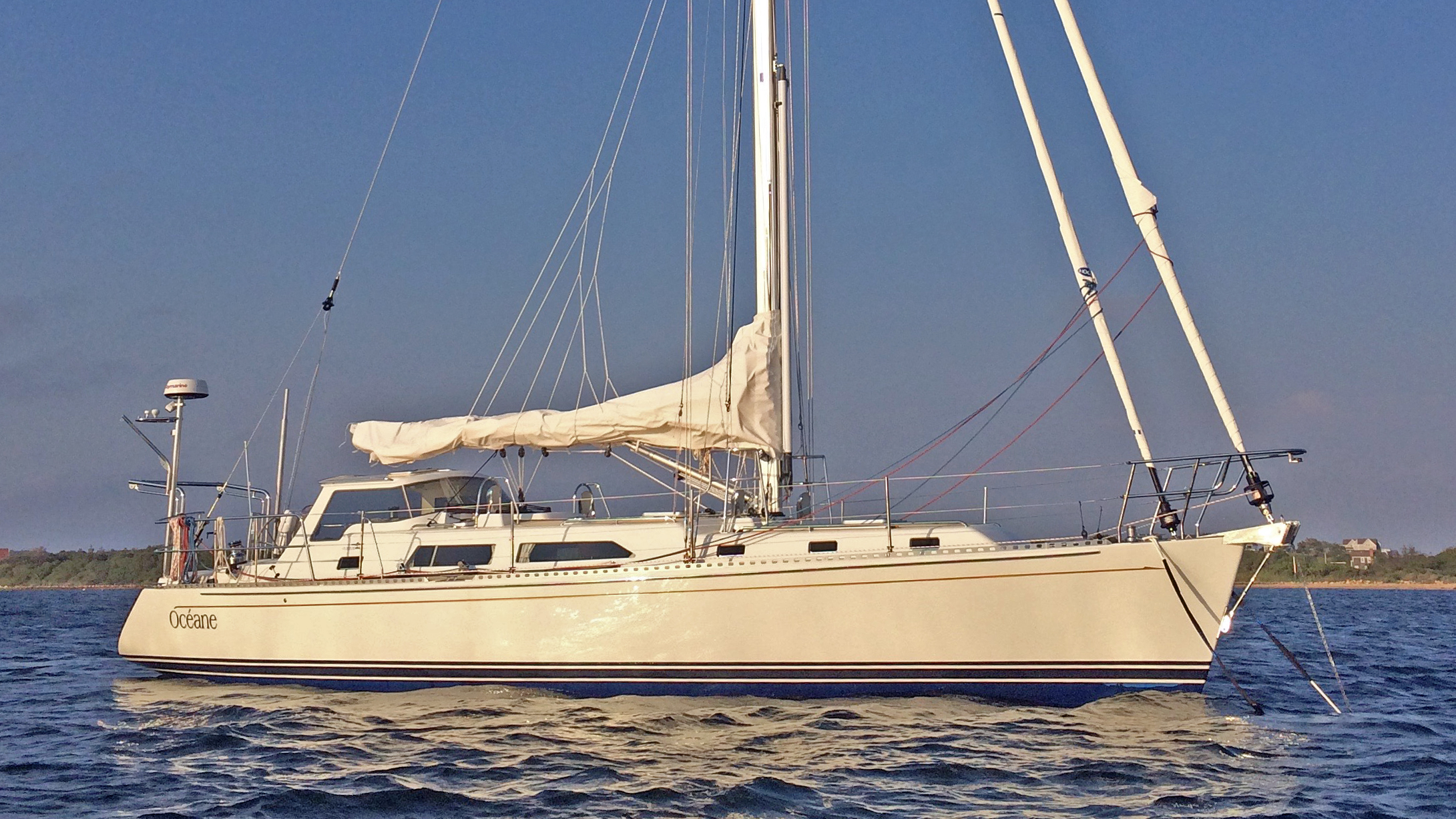 Luxury Yachts, Sailboats and Powerboats for Sale - New and Used